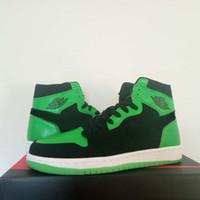 basketbol ayakkabıları yeşil renkte toptan satış-Özel XBOX 1 E3 Siyah Yeşil Erkekler Basketbol Ayakkabıları glow-in-the-karanlık sole 1 Mids Ile Kadınlar Marka Tasarlanmış Sneakers