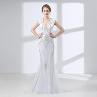pesado cristal beaded vestidos de sereia venda por atacado-Branco Vestido Longo 2018 V Neck pesadas contas de cristal mangas Mulheres Vestidos de baile formais Sereia Luxo