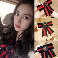 Wholesale miao embroidery - 2018 New arrival High quality brand Cute girl embroidery diamond Brooch bowknot Clothing accessories Pins Party Prom Women pin 81