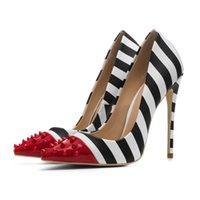 kırmızı kadın ayakkabıları toptan satış-Moda lüks tasarımcı kadınlar Yüksek topuk ayakkabı büyük boy PU Perçin şerit kırmızı dipleri topuklar kadın elbise ayakkabı