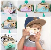 bebek yılbaşı dekorasyonları toptan satış-Sevimli Ahşap Oyuncak Kamera Bebek Çocuk c Prop Dekorasyon Çocuk Eğitici Oyuncak Doğum Günü Yılbaşı Hediyeleri