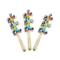 glocke holzspielzeug instrumente pädagogischen großhandel-Bell Holzspielzeug 18cm Cartoon Babyrassel Regenbogen Rasseln mit Bell Holzspielzeug Orff Instrumente Frühe pädagogische Musik Spielzeug Baby Spielzeug