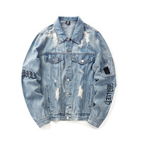 kol bandı ceketi toptan satış-Delikler Armband Hip Hop Denim Jean Ceketler Erkekler Moda Bombacı Adam Ceket erkek Rüzgarlık Streetwear Çiftler Elbise