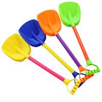 pala de plástico de playa al por mayor-Envío gratis 10 juguetes de playa para niños Espesa grande Jugando dragado Herramientas de Spading Playa de arena Pala de plástico