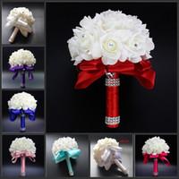 machen brautjungfer blumensträuße künstliche blumen groihandel-Neue Crystal White Braut Hochzeit Bouquets Perlen Braut Blumen handgemachte künstliche Blumen Rose Braut Brautjungfer halten