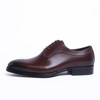 zapatos de cuero marrón al por mayor-NUEVA Brown Tan / Black Oxfords Business Shoes Zapatos de vestir para hombre Zapatos de cuero genuino Goodyear Welt Prom para hombres Zapatos de boda para hombre