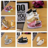 Wholesale slip sneakers wholesaler - Kids Glowing Sneakers Baby Girls Boys LED Light Shoes Toddler Anti Slip glitter Sequins Sports Casual Shoes