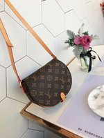 amerikanische klassische handtaschen großhandel-Hohe Qualität heißer Verkauf Europa und amerikanischen Stil hervorragende Design Blume klassische PVC klassische Handtasche Schulter Leder Messenger Shell Bag
