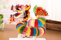 ingrosso souvenir tradizionali-Trasporto libero Piccolo drago di carta giocattolo Dragon and lion dance Artigianato giocattoli tempio fiera specialità della Cina souvenir tradizionali