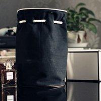 barris de arame venda por atacado-Saco de Barril de Lona preta Mulheres Moda Logotipo Clássico Cosméticos Caso de Armazenamento De Maquiagem Senhora Portátil Corda Saco 25sl2 Ww