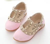zapatos de tacón bajo para niñas al por mayor-Nueva moda para niños Lady Girls Princess Shoes PU cuero niño bebé de tacón bajo niños mary jean zapatos remaches zapatillas de deporte