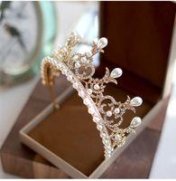 tiaras del desfile de la vendimia al por mayor-Boda barroca Vintage nupcial Crystal Rhinestone perlas princesa Gold Crown diademas Tiara Celada accesorios para el cabello desfile de la joyería