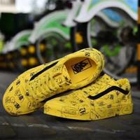 gelber gingham großhandel-2018 Neue Mode Marke Casual Leinwand Schuhe Klassische Weiß Gelb Marke Frauen und Herren Turnschuhe Skateboard Schuhe mit Box