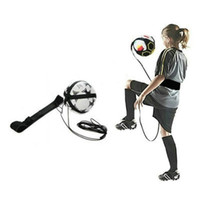 malabarismos venda por atacado-Futebol de mãos livres Juggle Kick / Throw Trainer New Ball Locked Net Design ajustável cinto de cinto para treinamento de juventude