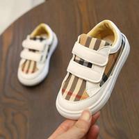 neue stil jungen schuhe großhandel-Neue koreanische der Farbe Raster Schuhe Boys Fashion Style Board Schuhe Studenten leichte Mädchen Freizeitschuhe Kinder Turnschuhe