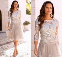 vestidos de noite venda por atacado-Elegante Curto Mãe Da Noiva Vestidos de Renda Na Altura Do Joelho de três quartos mangas de prata cinza Formal Mãe Vestidos de noiva vestidos de noite