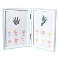marcos digitales rosa al por mayor-2018 Kit de marco de imagen de la huella digital de mano de bebé de DIY Marco de foto de madera plegable Marco de foto de madera no tóxica Azul / Rosa de recuerdo de bebé recién nacido