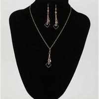 lange ohrringe halskette gesetzt großhandel-Berühmte Marke Jewlery Set Gold Farbe mit einzigartigen geformten langen Tropfenohrring und Halskette Set für Frauen Party