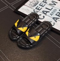 ingrosso sandali neri caldi-Sandali firmati caldi di vendita F E N D Pantofole di lusso estiva per gli uomini Scarpe da spiaggia in PVC nero Pantofole da uomo
