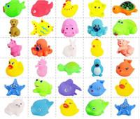 ingrosso anatre di gomma animale-50 stile EMS Baby Bath Toys Water Floating Dolls Animal Cartoon Anatre gialle Starfish Bambini Swiming Beach Rubber Toy Regali per bambini