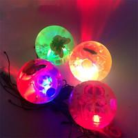 ingrosso le palline rimbalzanti lampeggiano la luce-Flash Of Light Sfera di cristallo Luminescenza elastica che rimbalza Giocattoli per bambini rimbalzante LED illuminato Decompressione Sfiato Regalo per bambini 1 7kp V