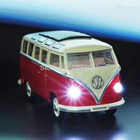 ingrosso autobus per i bambini-1:24 Pressofuso in lega VW Minibus classico Tirare indietro Car toys Mini Van Bus con auto giocattolo leggere e vocali per i bambini