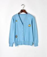 suéter negro botones de oro al por mayor-Envío gratis 2018 azul / negro abejas jacquard mujeres Cardigans marca mismo estilo Gold Line botones mujeres suéteres DH081421