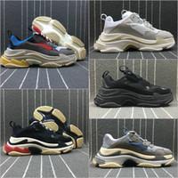 Großhandel Balenciaga Shoes Modedesigner Schuhe Paris 17FW Triple S Casual Papa Schuhe Herren Damen Schwarz Rosa Weiß Ceahp Beige Trainer Sport