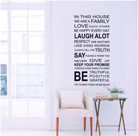 vinyl-gehäuse aufkleber großhandel-Englisch Wörter In diesem Haus DIY Wandaufkleber Schmuck Glas Vinyl Home Wallpaper Decor Pegatinas De Pared Für Kinderzimmer Geschenk