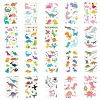 dinozor çıkartmaları toptan satış-20 adet Dinozorlar Çıkartmalar 3D Karikatür Renkli Dövmeler Sticker Çocuklar Geçici Flaş Dövme Macun Bebek Yüz Vücut Kol Dövme Hediyeler
