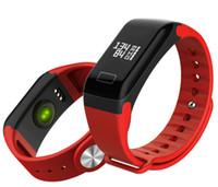 répondre aux bracelets intelligents achat en gros de-F1 Bracelet Smart Fitness Bracelet avec moniteur de fréquence cardiaque Fonction de pression artérielle Wireless Sport Tracker pour IOS Android Cellphones dans la boîte