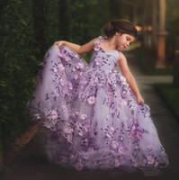 vestido de flor de flor 3d venda por atacado-Lavanda Lace Little Girls Pageant Vestidos 3D Floral Apliques Criança vestido de Baile Flor Menina Vestido Até O Chão de Tule Primeira Comunhão Vestidos