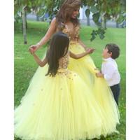 ingrosso tutus giallo per bambine-Ball Gown Said Mhamad TuTu Fiori Ragazze Abiti Bambina Modelli Madre e figlia Abiti abito A-Line Girocollo Giallo Partys