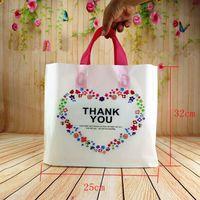 ingrosso matrimonio ringraziamenti borse-32 * 25 * 6cm 50pcs personalizzato compleanno festa nuziale favore grazie sacchetti regalo sacchetti di plastica shopping regalo grandi sacchetti di plastica con manico