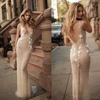 vestidos de decote tremendo venda por atacado-Berta Sexy 2019 Sereia Ilusão Vestidos de Casamento Decote Em V Sem Encosto Decote Mergulho 3D-Floral Apliques de Contas Custom Made Vestidos de Noiva