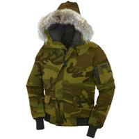 kürklü kaput bombardımanı ceketi toptan satış-Kanadalı Kış Erkek Bombacı Homme Parka Jassen Kamuflaj Giyim Büyük Kürk Kapşonlu Fourrure Manteau Kaz Aşağı Ceket Kaban Hiver Doudoune