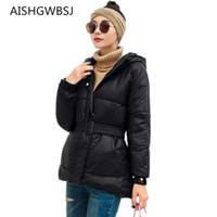 veste thermique femme mince achat en gros de-2018 hiver nouvelles femmes manteau coton section courte ceinture veste à capuchon épais chaud thermique mince manteau TQ262