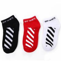 Wholesale sock slippers men online - OW Hip Hop Skateboard Socks Cotton Sock Slippers Men Women Sports Socks Newest Letter Printed Socks Colors