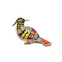 pássaro pintado a óleo venda por atacado-A europa e os estados unidos nova moda pássaro strass pintura peito de óleo agulha de alta qualidade selvagem liga peito