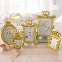 foto marco eco al por mayor-5 Unids / set Corona de Oro de Lujo Marco de Fotos Marco de Fotos Set Home Decor Regalo de Boda de Escritorio NNA520