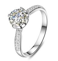 bagues fantaisie pour femmes achat en gros de-Fantaisie 1Ct Sterling Silver Finger Jewelry pour femmes coeurs et flèches 4 griffes anneau or blanc couleur synthétique diamants anneau