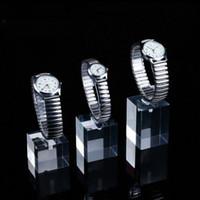 acryl-ring-display steht großhandel-Perplex Uhr Display Stand klar Acryl mit elastischen C-Ring Clip an der Spitze für die Halte Armbanduhren Schmuck Schaufenster Ausstellungsstände gesetzt