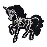 atların çıkartması toptan satış-Sıcak Kafatası Unicorn At Işlemeli Yamalar Dikiş Demir On Punk Rozeti Çantası Kot Şapka Aplikler DIY İşi Sticker Giyim Dekorasyon Için