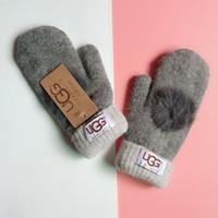 s handschuhe großhandel-Mode Frauen Markenhandschuhe für Winter und Herbst Cashmere Fäustlinge Handschuhe mit schönen Fellball Outdoor Sport warme Winterhandschuhe