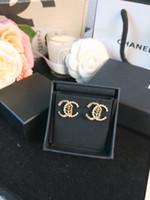 boucles d'oreilles en strass achat en gros de-2019automne et hiver nouveaux strass dorés feuilles boucles d'oreilles en perles à double lettre avec boucles d'oreilles A020