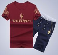 eşofman yaz erkek toptan satış-Yeni Geldi Yaz Erkekler T-Shirt Aktif Suit Erkekler Artı Boyutu Kısa Kollu O-Boyun Baskı Gömlek ve Şort Setleri Erkekler Eşofman