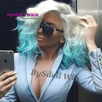 mujeres peluca rizada blanca al por mayor-Nueva llegada sintética corta ondulada Bob peluca baja profunda onda rizada blanca rubia Ombre color azul pelucas delanteras de encaje para mujer