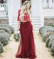 vestidos de dama de manga larga de color rojo al por mayor-2019 Vino de color rojo oscuro bohemio Dos piezas Vestidos de dama de honor Mangas largas con cuello en V Medias de encaje y tul Vestidos modernos de dama de honor
