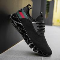 venta de zapatos tejidos al por mayor-Venta caliente 2018 hombres volando tejer zapatos deportivos nuevas ventas calientes zapatos casuales explosiones cuchilla zapatos deportivos envío gratis