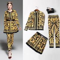 saias plissadas amarelas venda por atacado-18 primavera e no verão retro camisa flor amarela com saia plissada + calças de três peças